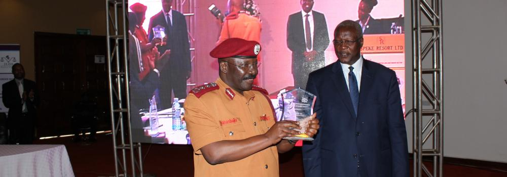 COMMISSIONER GENERAL  WINS JLOS DISTINGUISHED SERVICE AWARD 2017
